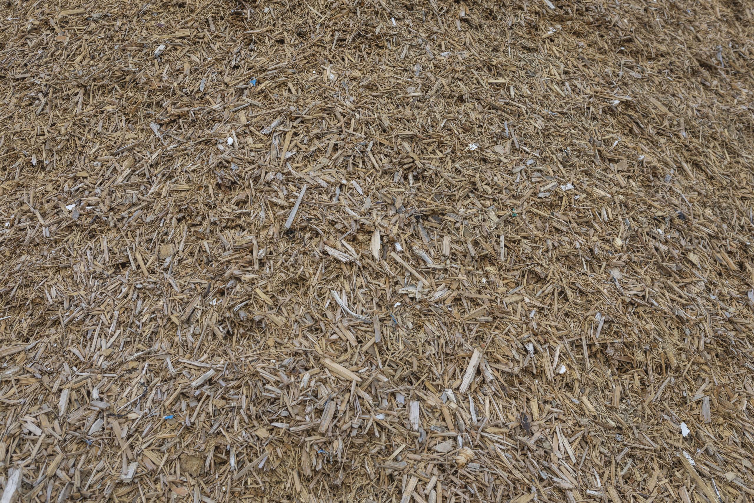 Nurmijärven jätteidenkäsittelyalueella haketetaan puuta 21.4. alkaen
